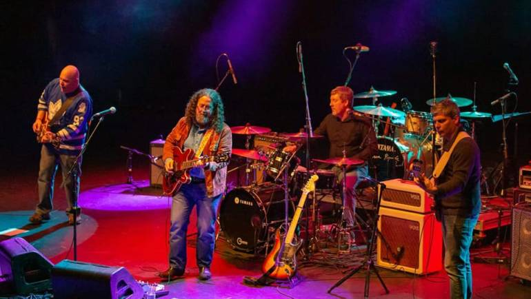 Music: Paulo Franco & The Freightliners